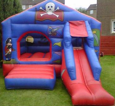 17_x_12_Pirate_Bouncy_Castle.jpg