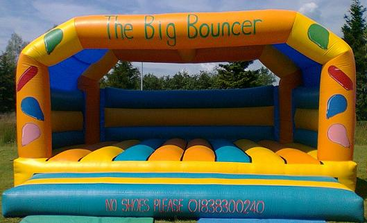 20_x_20_bouncy_castle.jpg